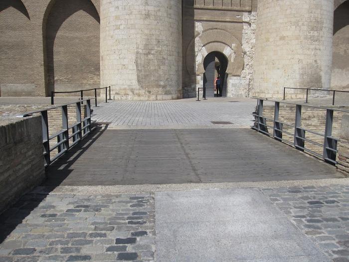 Замок Альхаферия (Castillo de Aljaferia) - жемчужинa испанского исламского наследия 36835