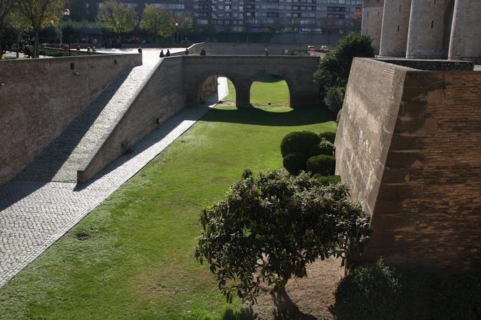 Замок Альхаферия (Castillo de Aljaferia) - жемчужинa испанского исламского наследия 90617