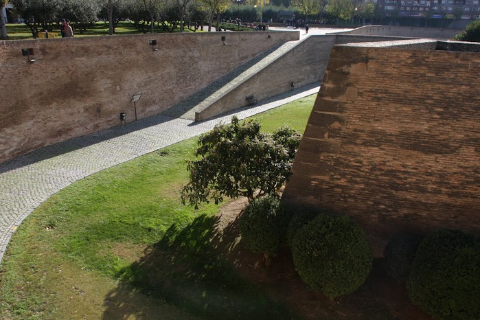 Замок Альхаферия (Castillo de Aljaferia) - жемчужинa испанского исламского наследия 33815