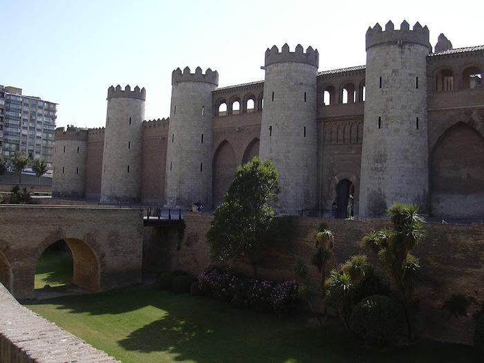 Замок Альхаферия (Castillo de Aljaferia) - жемчужинa испанского исламского наследия 67273