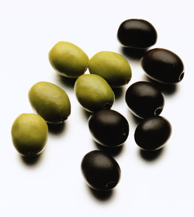 4403711_green_and_black_olives (390x437, 53Kb)