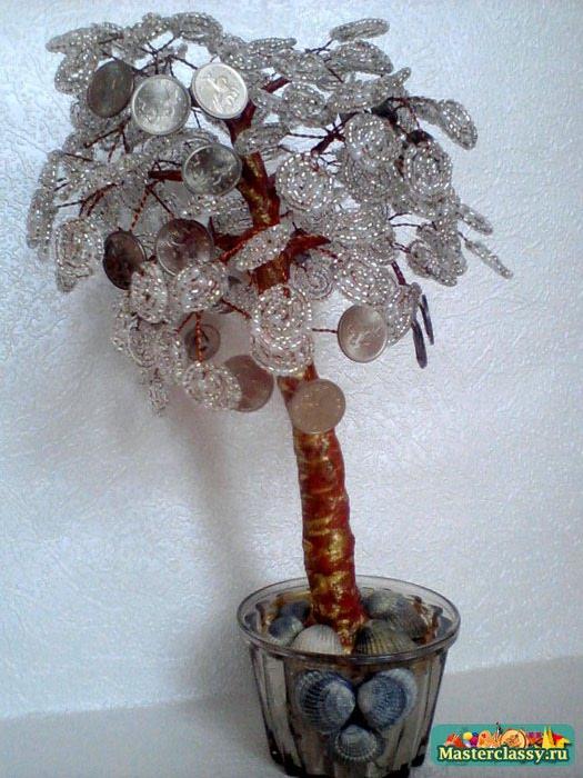 Для изготовления небольшого денежного дерева из бисера нам понадобится: - проволока для веточек кроны (медная - 0.4мм)...