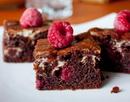 brownies-so-slovichnym-syrom-i-malinoi-7 (130x102, 19Kb)