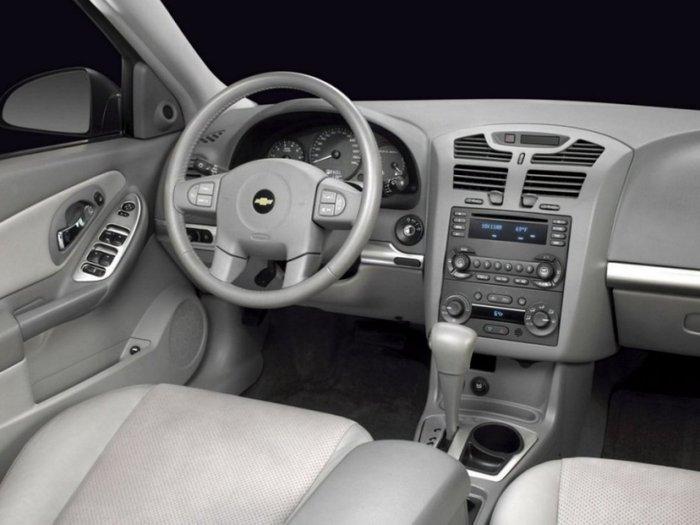 Chevrolet_Malibu_Sedan_2004 (700x525, 52Kb)