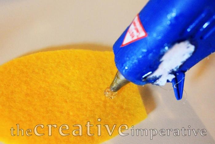 glue gun petal (700x469, 221Kb)