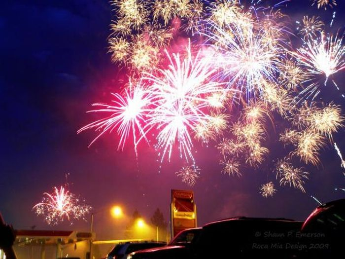 1312973904_fireworks_17 (700x525, 73Kb)