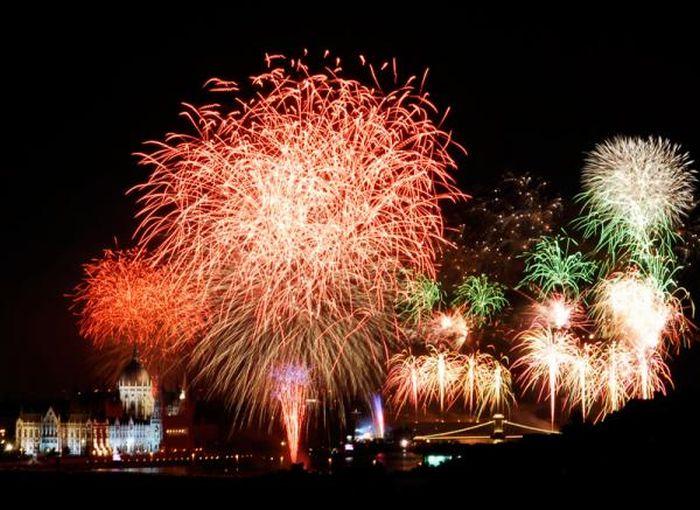 1312973934_fireworks_19 (700x510, 75Kb)