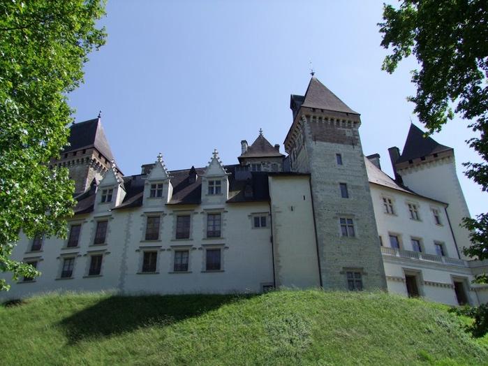 Замок По - Родовой замок Бурбонов 48241
