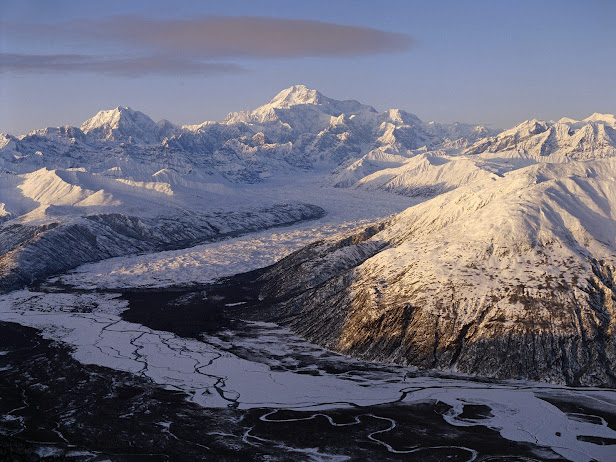 Mount Denali and Glacier, Denali National Park, Alaska (616x462, 114Kb)