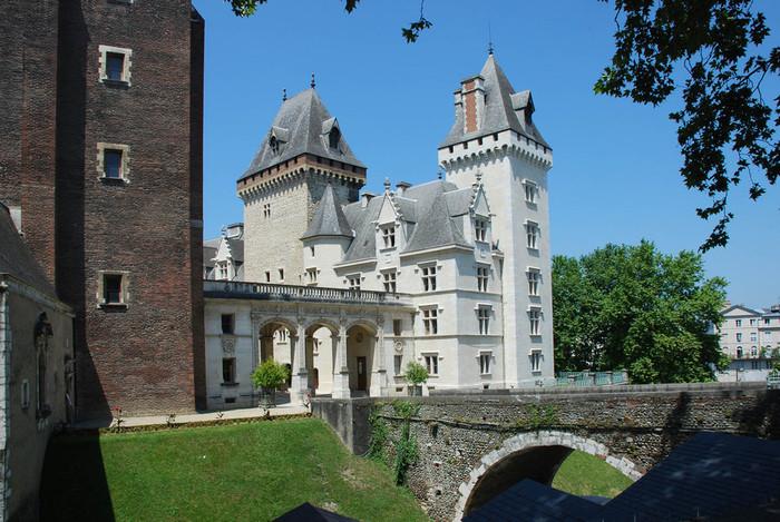 Замок По - Родовой замок Бурбонов 43529