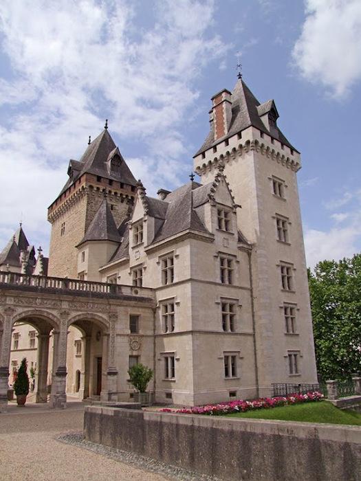 Замок По - Родовой замок Бурбонов 96316