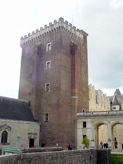 Замок По - Родовой замок Бурбонов 31154