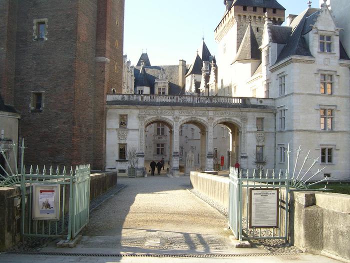 Замок По - Родовой замок Бурбонов 91898