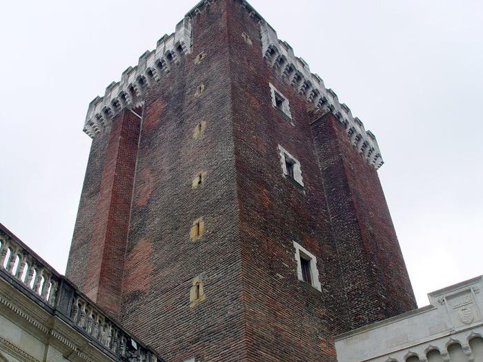 Замок По - Родовой замок Бурбонов 81692