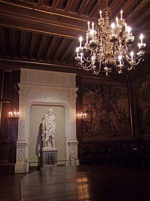 Замок По - Родовой замок Бурбонов 63312