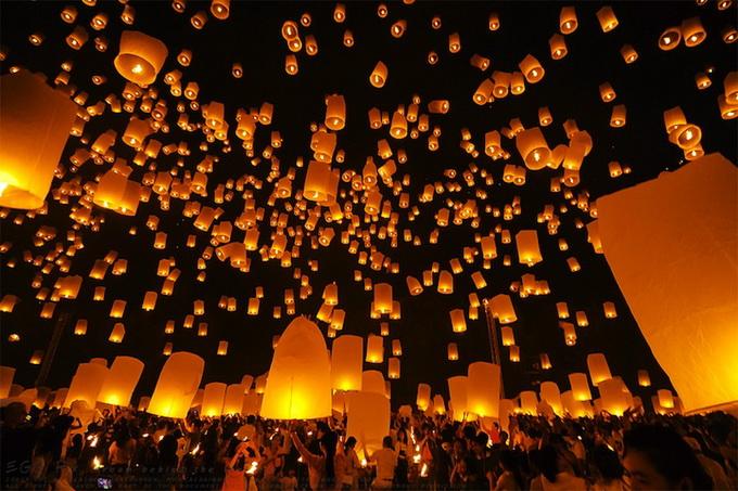 фестиваль небесных фонариков5 (680x453, 165Kb)