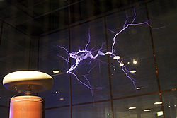 250px-Lightning_simulator_questacon02 (250x167, 9Kb)