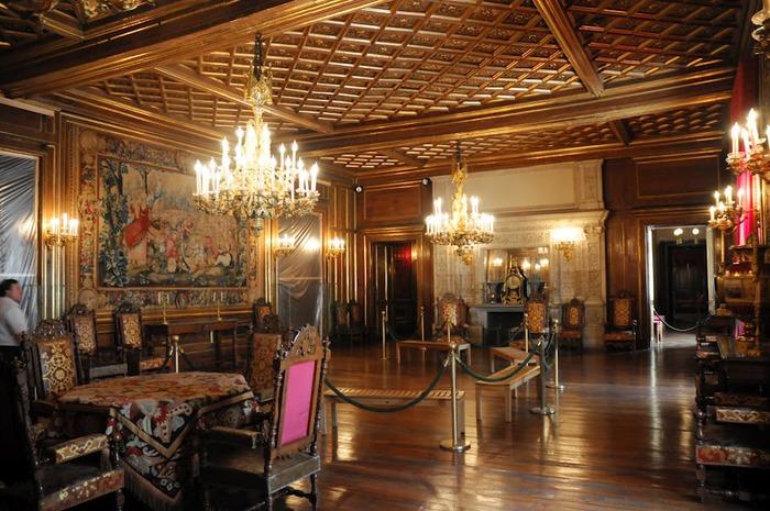 Замок По - Родовой замок Бурбонов 76380