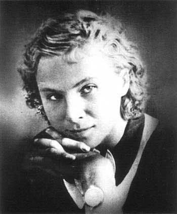 Женщины-истребители ВОВ. Лидия (Лиля) Литвяк родилась 18 августа 1922