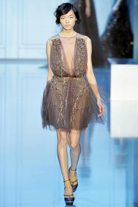 moda-weddig-dresses-ELIE-SAAB-COUTURE-WINTER-2011-2012-fashion-news-photo-30 (466x700, 145Kb)