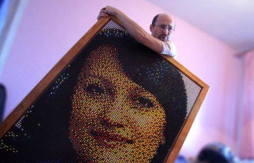 портрет из кнопок (1) (520x335, 41Kb)