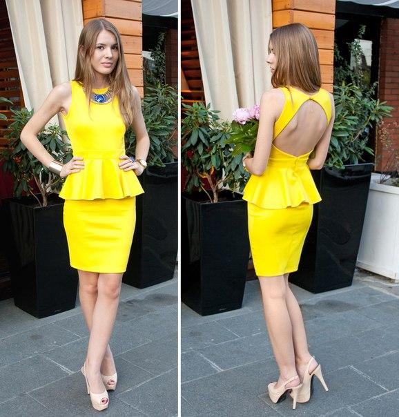 Платье с баской украшения