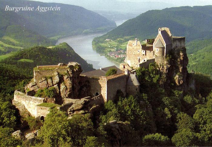 Развалины замка Аггштайн у вод Дуная 63068