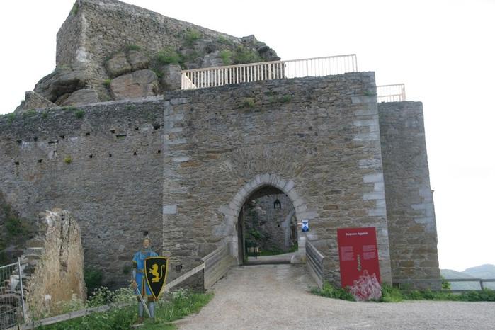 Развалины замка Аггштайн у вод Дуная 72232