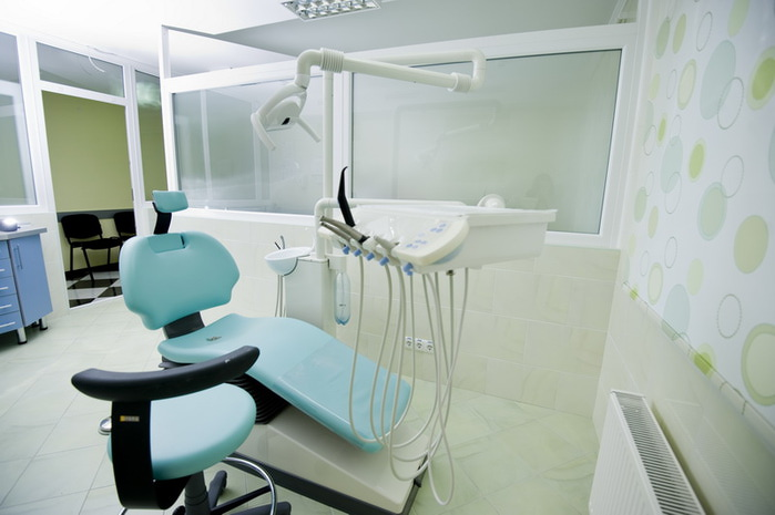 stomatologichescoe-kreslo (700x465, 70Kb)