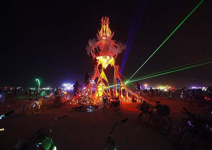 Лучшие фото фестиваля Burning Man 2012 11 (700x496, 74Kb)