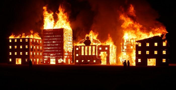 Лучшие фото фестиваля Burning Man 2012 23 (700x359, 57Kb)