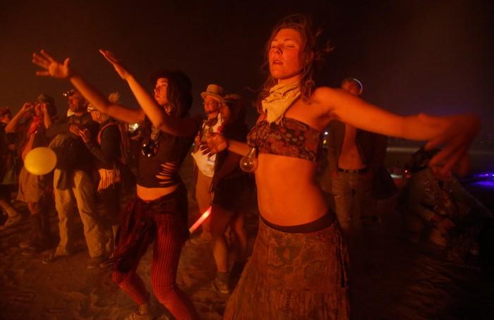 Лучшие фото фестиваля Burning Man 2012 30 (700x454, 57Kb)