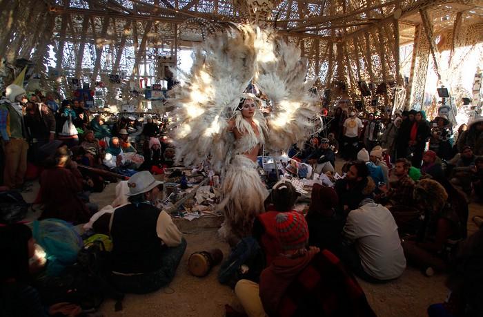 Лучшие фото фестиваля Burning Man 2012 33 (700x459, 117Kb)