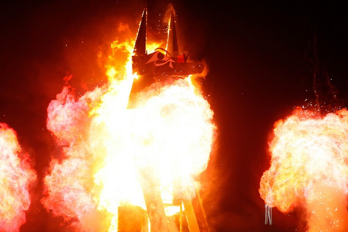 Лучшие фото фестиваля Burning Man 2012