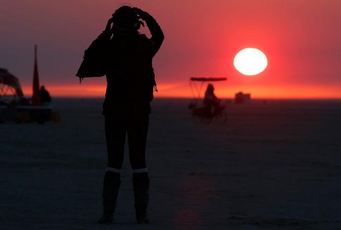 Лучшие фото фестиваля Burning Man 2012 41 (700x473, 30Kb)