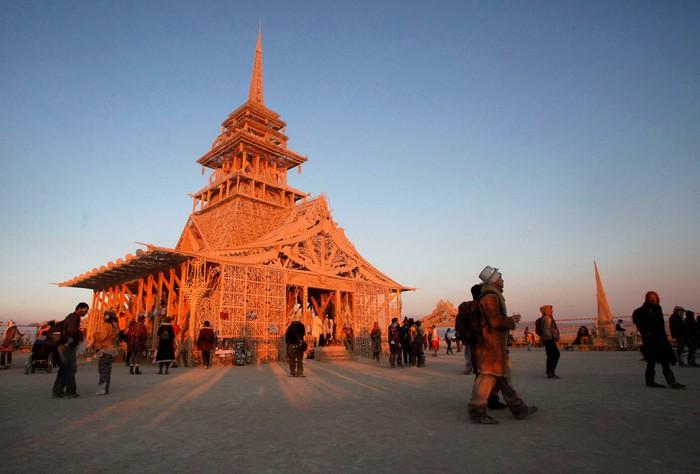 Лучшие фото фестиваля Burning Man 2012 43 (700x474, 68Kb)