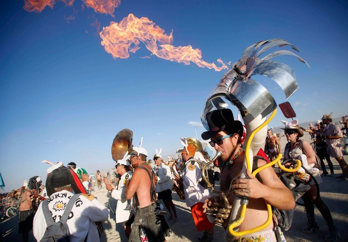 Лучшие фото фестиваля Burning Man 2012 49 (700x488, 95Kb)
