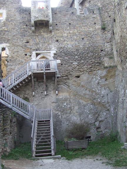 Развалины замка Аггштайн у вод Дуная 98771