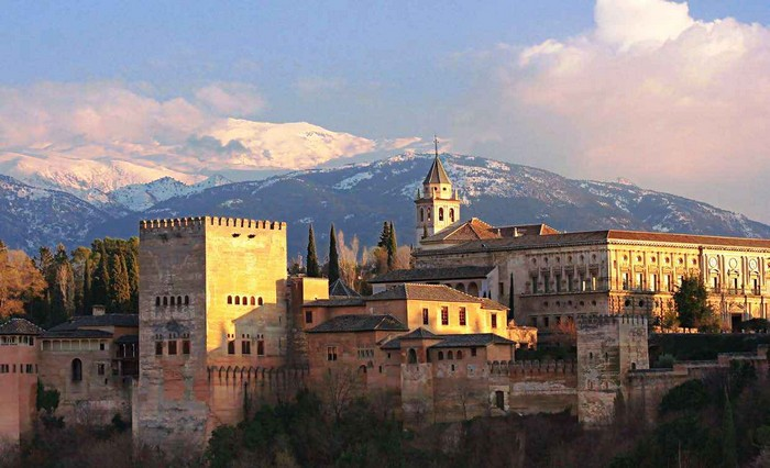 Гранада - испанский город-сказка 1 (700x426, 83Kb)