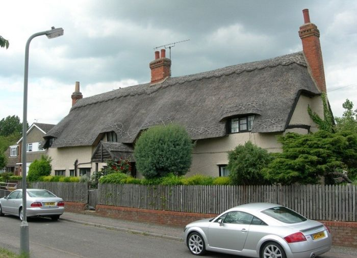 дома с соломенными крышами 4 (700x507, 61Kb)