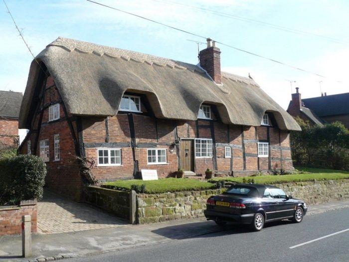 дома с соломенными крышами 6 (700x525, 65Kb)