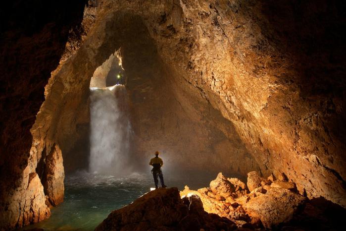 cave-05 (700x466, 164Kb)