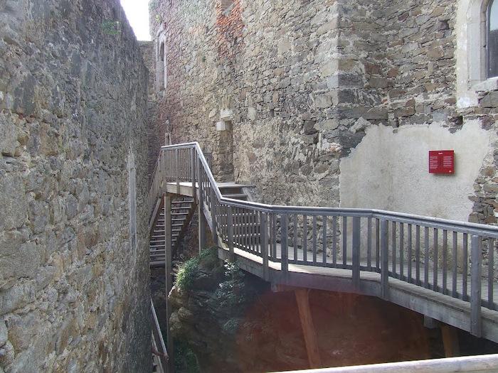 Развалины замка Аггштайн у вод Дуная 21636