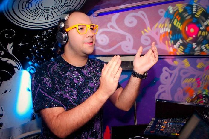 DJ Сергей Обломов (700x464, 91Kb)
