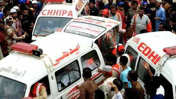 Трагедия в Пакистане. Фотографии. На швейной фабрике города Карачи заживо сгорели 289 человек