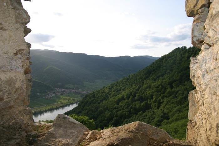 Развалины замка Аггштайн у вод Дуная 86350