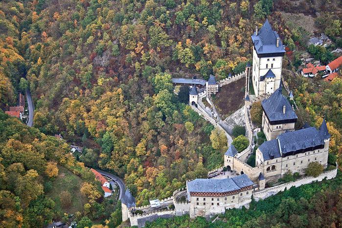 Замок Карлштейн (700x466, 151Kb)