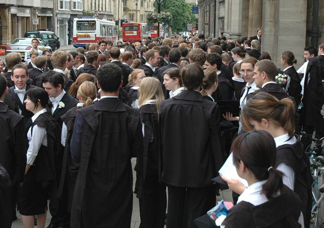 Students_Oxford_University (640x451, 58Kb)