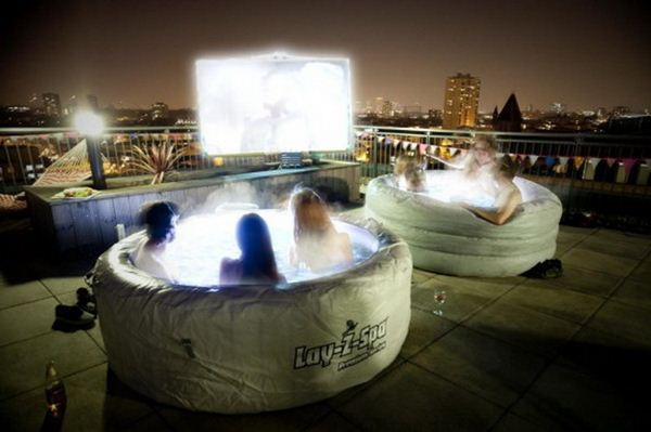Hot Tub Cinema5 (600x399, 34Kb)