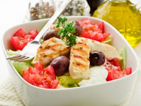 1322561610_prazdnichnyj-salat-s-kuricej-kukuruzoj-i-ananasami (450x338, 61Kb)